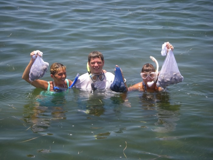 Crystal river scalloping scallop season crystal river fl for Do you need a license to fish in florida